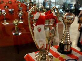 See the trophies and original clothes of your favorite football players